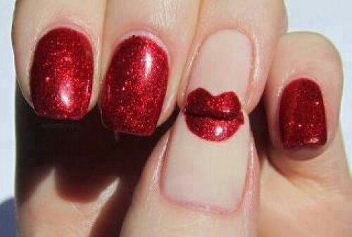 Sexy Nails for Valentine's Day: Red Lips